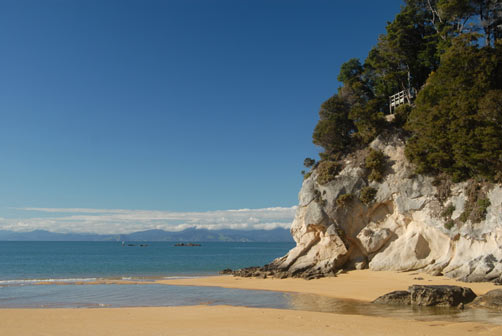 Enjoy the golden beaches of Kaiteriteri and the Abel Tasman